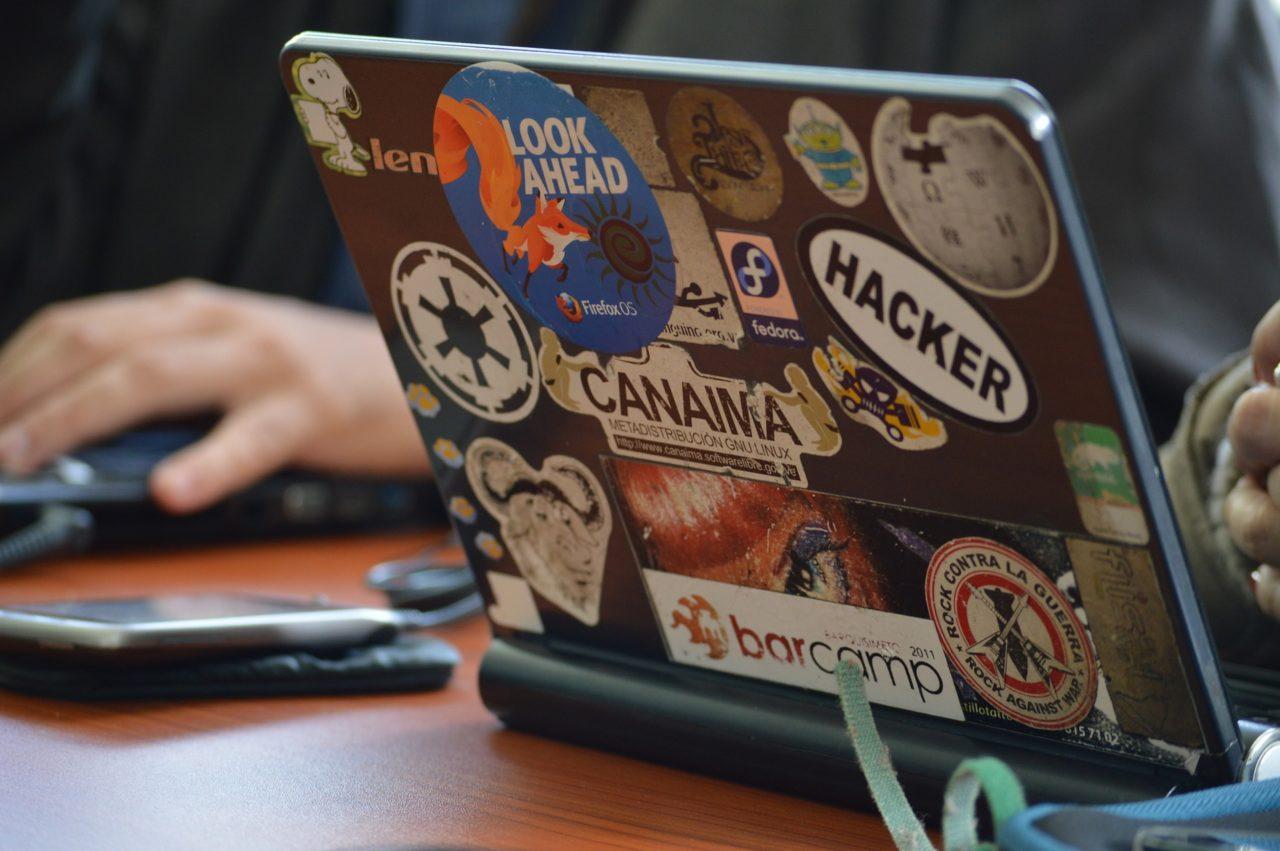 hacker-1569744_1920-1280x851.jpg